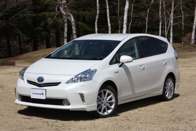 プリウスα 新型 4wd 燃費 価格 比較