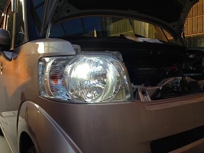 nbox ヘッドライト 交換 led